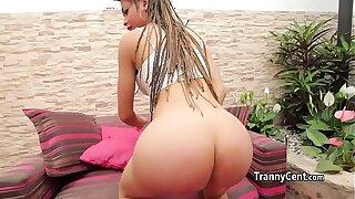 Tranny fucks her oiled ass solo