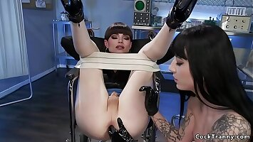 Shemale doctor anal fucks her assistant